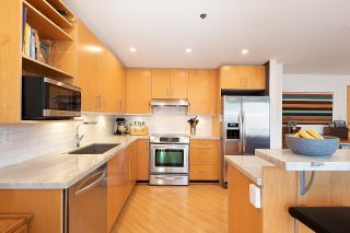 """Photo 2: 511 549 COLUMBIA Street in New Westminster: Downtown NW Condo for sale in """"C2C Lofts"""" : MLS®# R2601275"""