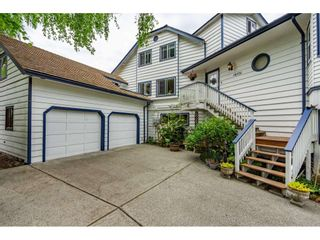"""Photo 3: 16551 10 Avenue in Surrey: King George Corridor House for sale in """"McNalley Creek"""" (South Surrey White Rock)  : MLS®# R2455888"""