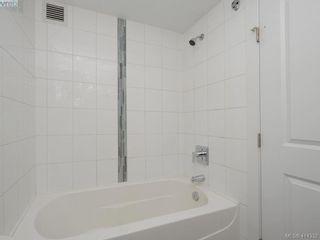 Photo 11: 203 2515 Dowler Pl in VICTORIA: Vi Hillside Condo for sale (Victoria)  : MLS®# 821831