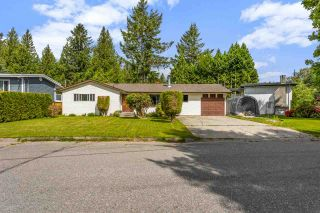 Photo 1: 7951 TEAL Street in Mission: Mission BC House for sale : MLS®# R2581902