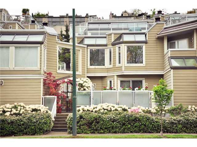 """Main Photo: F8 1100 W 6TH Avenue in Vancouver: Fairview VW Townhouse for sale in """"FAIRVIEW PLACE"""" (Vancouver West)  : MLS®# V828284"""