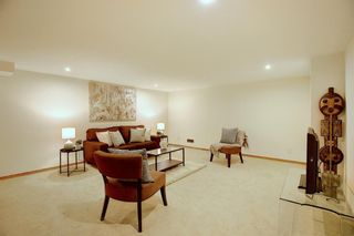 Photo 33: 84 Strathdale Close SW in Calgary: Strathcona Park Detached for sale : MLS®# A1046971
