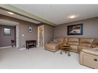 """Photo 14: 80 20350 68 Avenue in Langley: Willoughby Heights Townhouse for sale in """"SUNRIDGE"""" : MLS®# R2029357"""