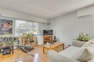 Photo 2: 8 48 LEOPOLD Place in New Westminster: Downtown NW Condo for sale : MLS®# R2497704