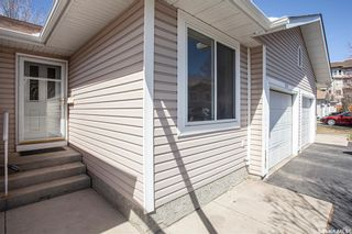 Photo 2: 203 218 La Ronge Road in Saskatoon: Lawson Heights Residential for sale : MLS®# SK857227