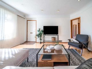 Photo 6: 3049 CHARLES Street in Vancouver: Renfrew VE House for sale (Vancouver East)  : MLS®# R2542647