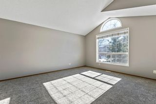 Photo 4: 143 Somerside Grove SW in Calgary: Somerset Detached for sale : MLS®# A1126412