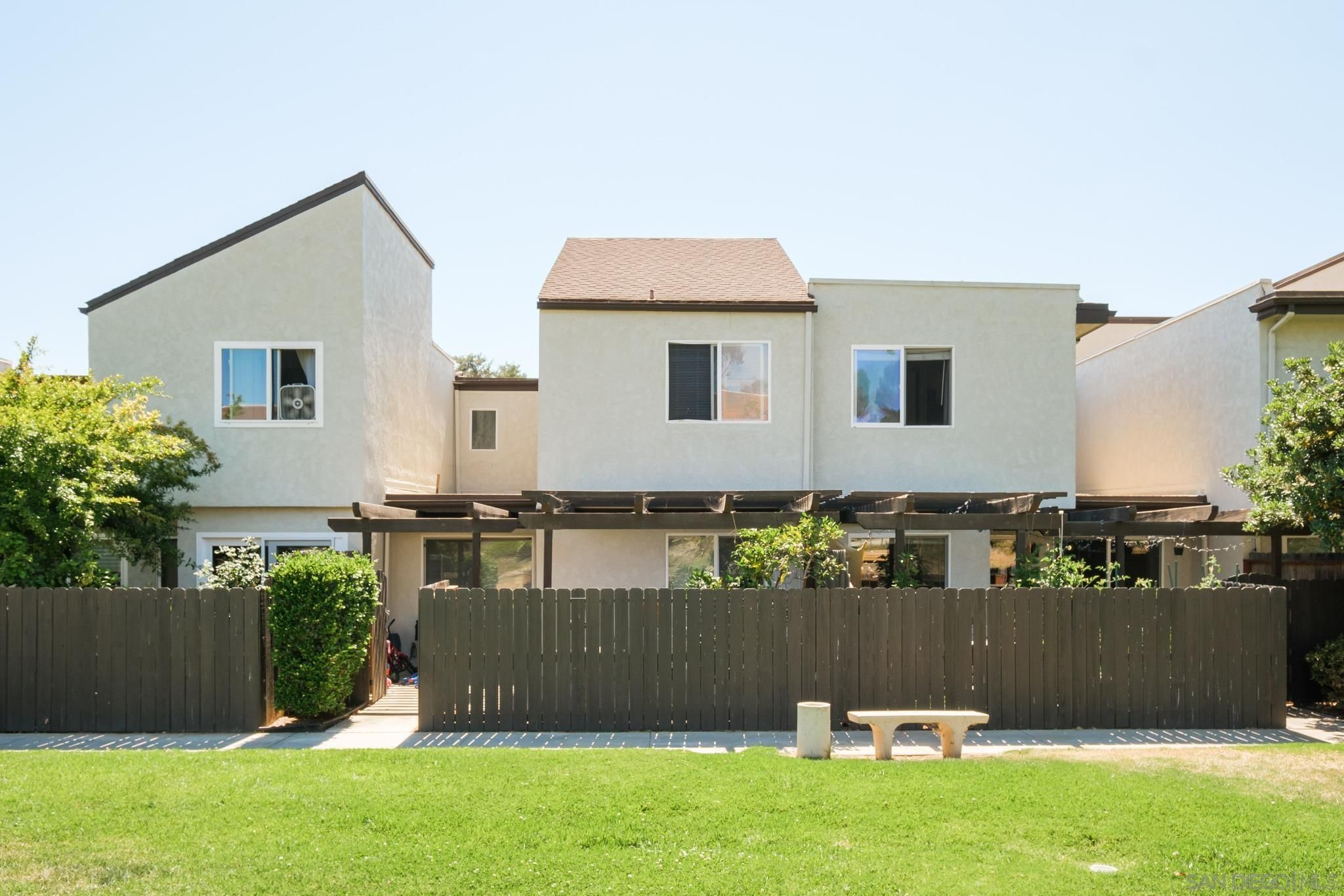 Main Photo: UNIVERSITY CITY Townhouse for sale : 2 bedrooms : 9595 Easter Way #8 in San Diego