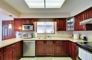 Photo 10: 4297 ATLEE AVENUE in Burnaby: Deer Lake Place House for sale (Burnaby South)  : MLS®# R2009771