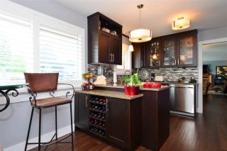 """Photo 7: 15701 GOGGS Avenue: White Rock House for sale in """"WHITE ROCK"""" (South Surrey White Rock)  : MLS®# R2178923"""