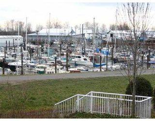 """Photo 1: 218 12639 NO 2 RD in Richmond: Steveston South Condo for sale in """"NAUTICA SOUTH"""" : MLS®# V582114"""