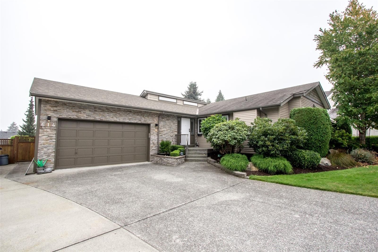Main Photo: 614 Shaughnessy Pl in : Na Departure Bay House for sale (Nanaimo)  : MLS®# 855372