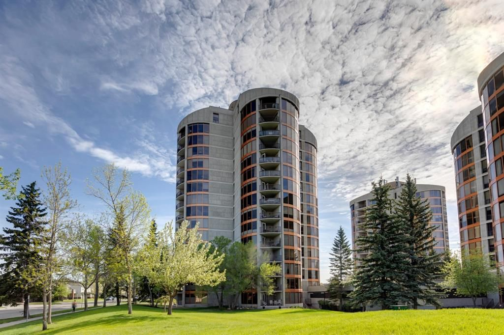 Main Photo: 362 7030 Coach Hill Road SW in Calgary: Coach Hill Apartment for sale : MLS®# A1115462