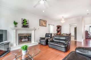 Photo 3: 3465 E 3RD Avenue in Vancouver: Renfrew VE House for sale (Vancouver East)  : MLS®# R2572524