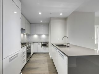 "Photo 12: 310 5687 GRAY Avenue in Vancouver: University VW Condo for sale in ""ETON"" (Vancouver West)  : MLS®# R2523842"