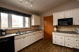 Photo 17: 2936 Burgess Drive NW in Calgary: Brentwood Detached for sale : MLS®# A1099154