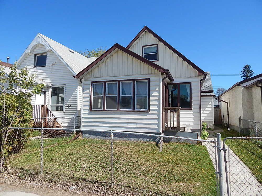 Main Photo: 981 Selkirk Avenue in Winnipeg: House for sale : MLS®# 1813192