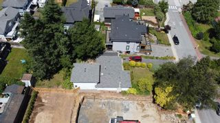 Photo 4: 1275 KENT Street: White Rock House for sale (South Surrey White Rock)  : MLS®# R2575494