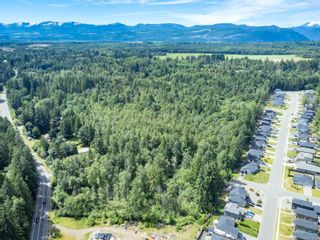 Photo 2: 2555 Cumberland Rd in Courtenay: CV Courtenay City Unimproved Land for sale (Comox Valley)  : MLS®# 879243