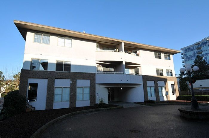 Main Photo: 301 19128 FORD ROAD in Pitt Meadows: Central Meadows Condo for sale : MLS®# R2227928