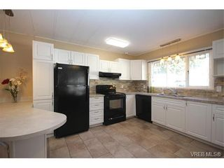 Photo 5: 31 2807 Sooke Lake Rd in VICTORIA: La Langford Proper Manufactured Home for sale (Langford)  : MLS®# 750038