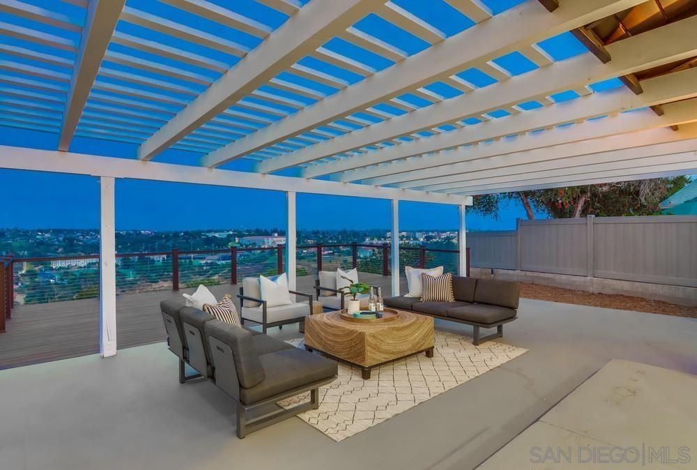 Main Photo: BAY PARK House for sale : 5 bedrooms : 5057 September St in San Diego