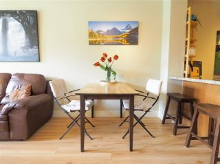 """Photo 10: 218 1211 VILLAGE GREEN Way in Squamish: Downtown SQ Condo for sale in """"Rockcliff"""" : MLS®# R2456399"""