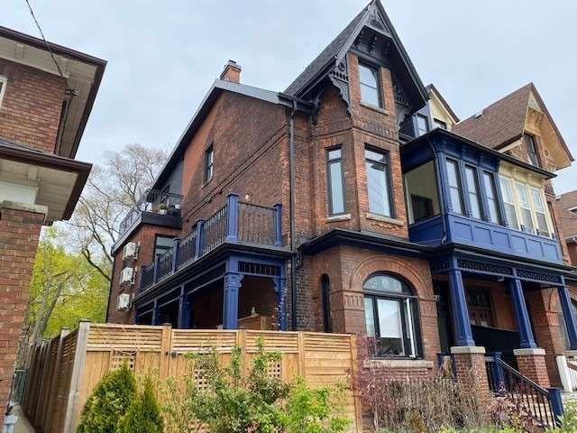 Main Photo: 2 10 Sylvan Avenue in Toronto: Dufferin Grove House (3-Storey) for lease (Toronto C01)  : MLS®# C5217895