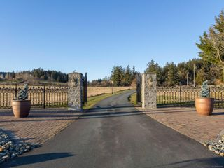 Photo 57: 1700 Mt. Newton Cross Rd in : CS Saanichton House for sale (Central Saanich)  : MLS®# 874161