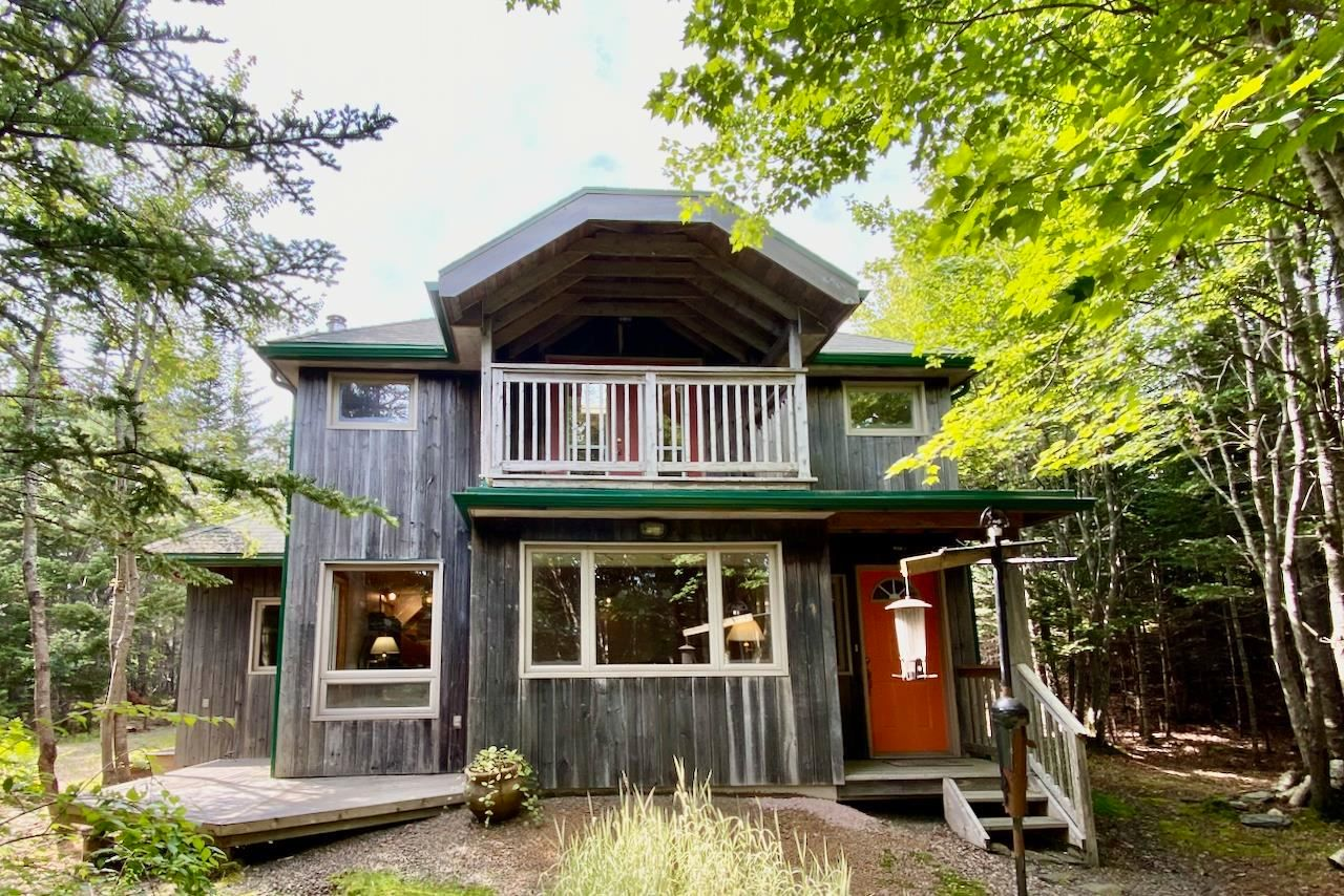 Main Photo: 161 Ovens Road in Feltzen South: 405-Lunenburg County Residential for sale (South Shore)  : MLS®# 202112849