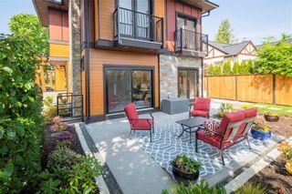 Photo 5: 2290 Estevan Ave in Oak Bay: OB Estevan Half Duplex for sale : MLS®# 837922