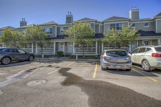 Photo 3: 16 Country Village Lane NE in Calgary: Country Hills Village Row/Townhouse for sale : MLS®# A1117477