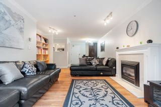 """Photo 2: 203 833 W 16TH Avenue in Vancouver: Fairview VW Condo for sale in """"THE EMERALD"""" (Vancouver West)  : MLS®# R2620364"""