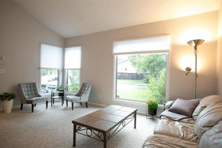 Photo 6: 150 Southwalk Bay in Winnipeg: River Park South Residential for sale (2F)  : MLS®# 202120702