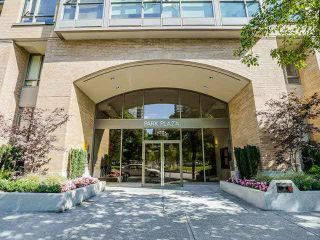 "Main Photo: 2203 1188 RICHARDS Street in Vancouver: Yaletown Condo for sale in ""Park Plaza"" (Vancouver West)  : MLS®# R2515475"