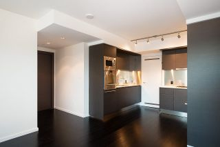 Photo 11: 5305 1151 W GEORGIA Street in Vancouver: Coal Harbour Condo for sale (Vancouver West)  : MLS®# R2445030
