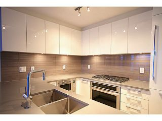 """Photo 7: 2207 6658 DOW Avenue in Burnaby: Metrotown Condo for sale in """"MODA"""" (Burnaby South)  : MLS®# V1101566"""