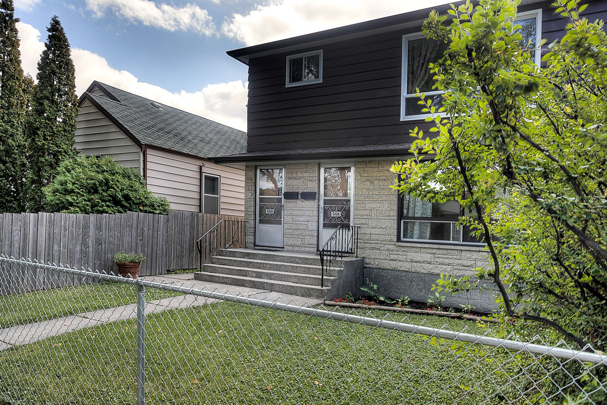 Main Photo: 566 Cathedral Avenue in Winnipeg: Duplex for sale (4C)  : MLS®# 1824463