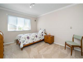Photo 9: 302 2239 152 Street in Surrey: Sunnyside Park Surrey Condo for sale (South Surrey White Rock)  : MLS®# R2364850