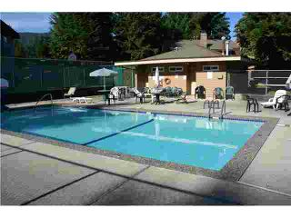 """Photo 10: 2345 MOUNTAIN Highway in North Vancouver: Lynn Valley Townhouse for sale in """"YORKWOOD PARK"""" : MLS®# V913501"""