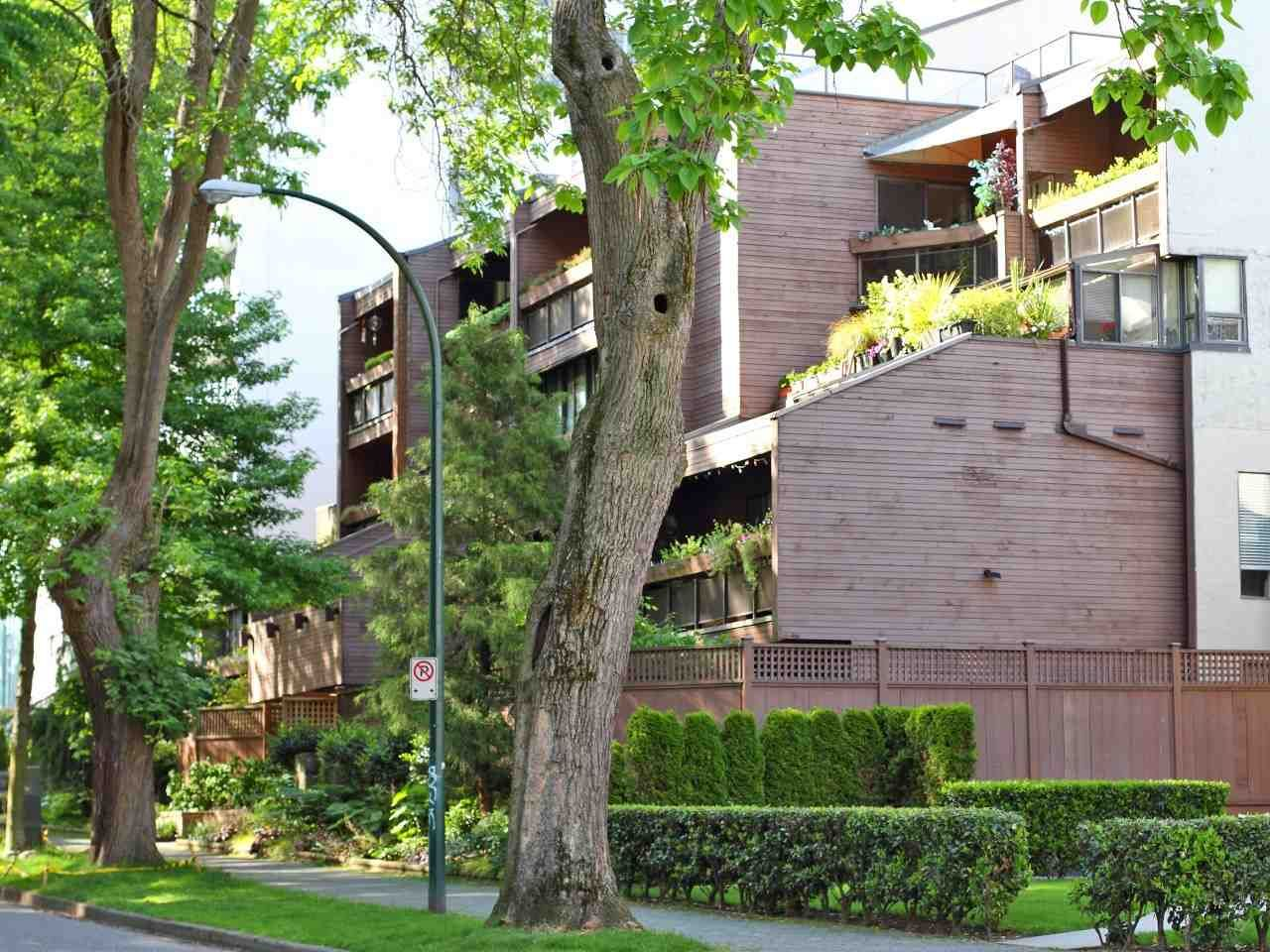 """Main Photo: 209 1855 NELSON Street in Vancouver: West End VW Condo for sale in """"The WestPark"""" (Vancouver West)  : MLS®# R2462259"""