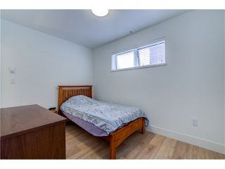 """Photo 10: 206 1661 E 2ND Avenue in Vancouver: Grandview VE Condo for sale in """"2ND & COMMERCIAL"""" (Vancouver East)  : MLS®# V1136892"""