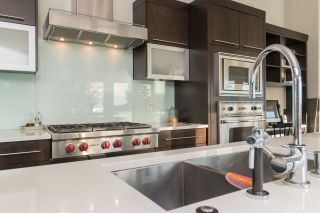 Photo 10: 4111 BURKEHILL Road in West Vancouver: Bayridge House for sale : MLS®# R2563402