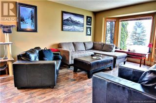 Photo 5: 51 Kemp Avenue in Red Deer: House for sale : MLS®# A1103323