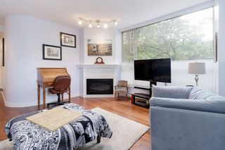 "Photo 3: 202 2668 ASH Street in Vancouver: Fairview VW Condo for sale in ""CAMBRIDGE GARDENS"" (Vancouver West)  : MLS®# R2510443"