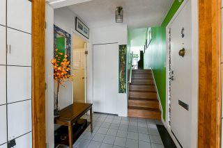 """Photo 2: 706 MILLYARD in Vancouver: False Creek Townhouse for sale in """"Creek Village"""" (Vancouver West)  : MLS®# R2550933"""