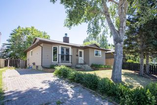 Photo 3: 344 Fonda Way SE in Calgary: Forest Heights Detached for sale : MLS®# A1125342