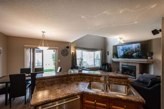 Photo 8: 124 CASTLE Drive in Edmonton: Zone 27 House Half Duplex for sale : MLS®# E4260271
