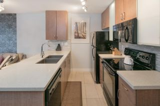 """Photo 11: 2604 977 MAINLAND Street in Vancouver: Yaletown Condo for sale in """"YALETOWN PARK III"""" (Vancouver West)  : MLS®# R2122379"""