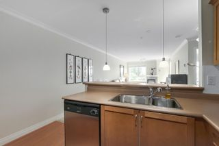 Photo 4: 302 128 W 21ST STREET in North Vancouver: Central Lonsdale Condo for sale : MLS®# R2408450
